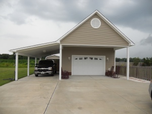 Detached Garage at 112 Waverly Way Jacksonville NC